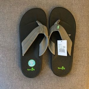 NEW WITH TAGS. Men's Sanuk Brumeister flip flop